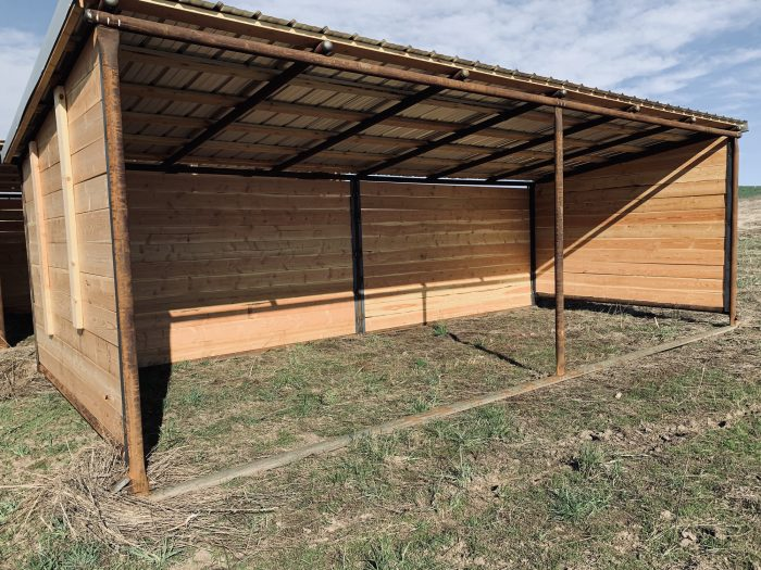10x24 Loafing shed